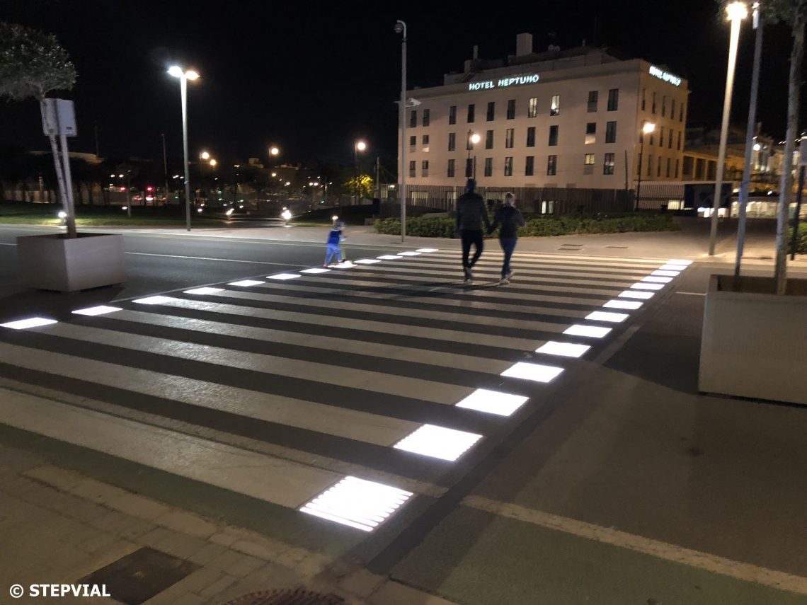 Smart Pedestrian Crossing in Valencia
